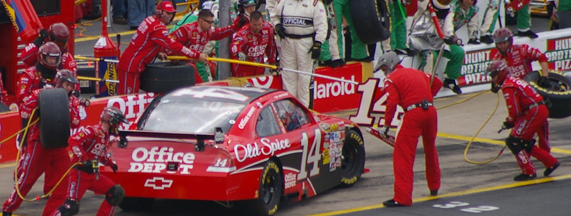 tony stewart 2009 coca cola 600- flickr tequilamike cc license - 3568402361_d3ed87cdf3_b